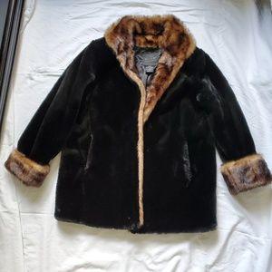 Cally-do outerwear faux fur coat.